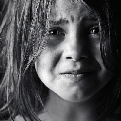بالصور طفلة حزينة , صور اطفال حزينة 5233 4