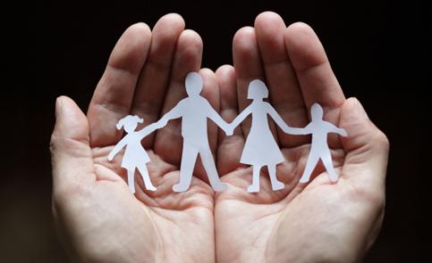 صورة كلام عن الام والاب , اجمل ما يقال فى الاب والام