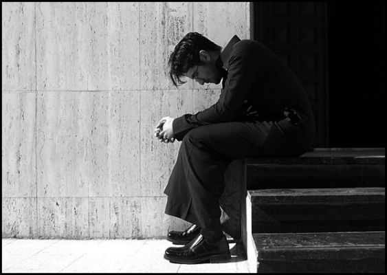 بالصور صور رجال حزينه , افضل الصور للرجال الحزينة 4760 4