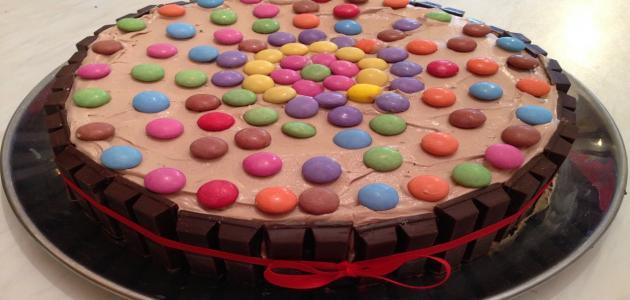 صورة تزيين الكيك , طريقة من افضل الطرق لتزيين الكيك بالمنزل و هذا الموضوع في عام 2019 ميلاديا