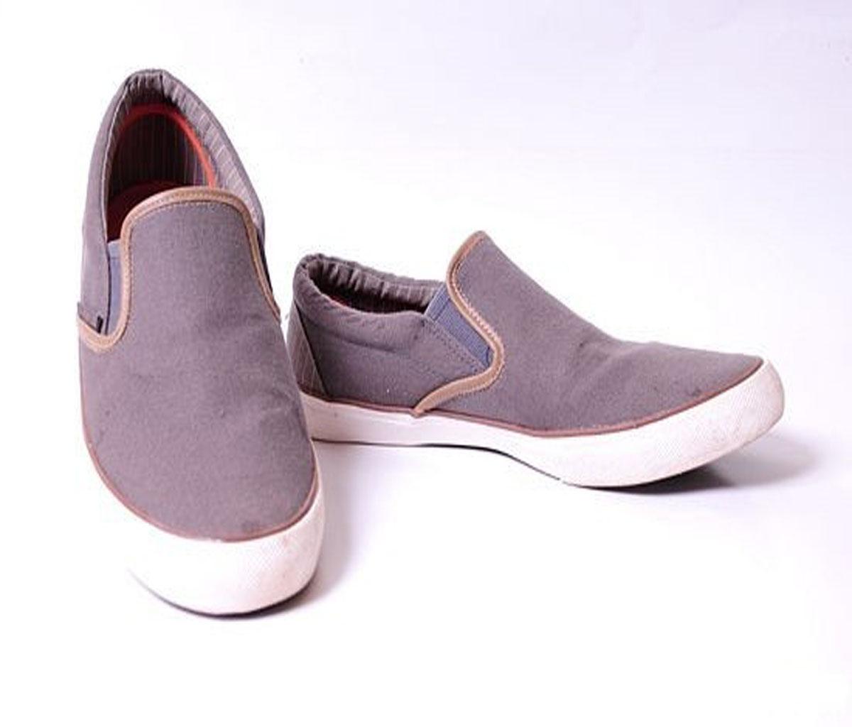 بالصور تفسير حلم لبس الحذاء للمتزوجة , تعرف على رؤيتك فى المنام للبس الحذاء 5944 2