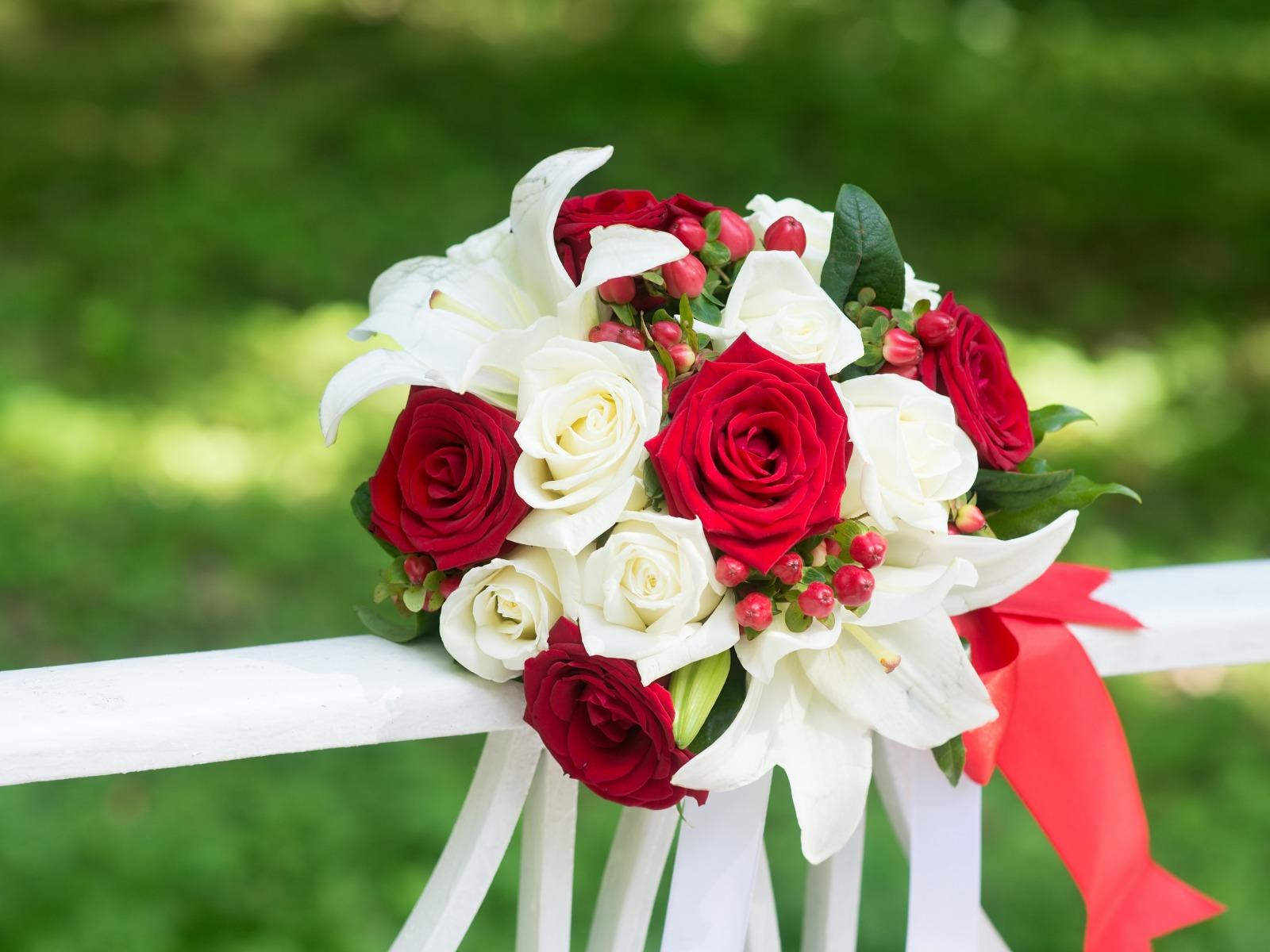 بالصور اجمل بوكيه ورد فى الدنيا , جمال الورد واشكاله والوانه 5947 8