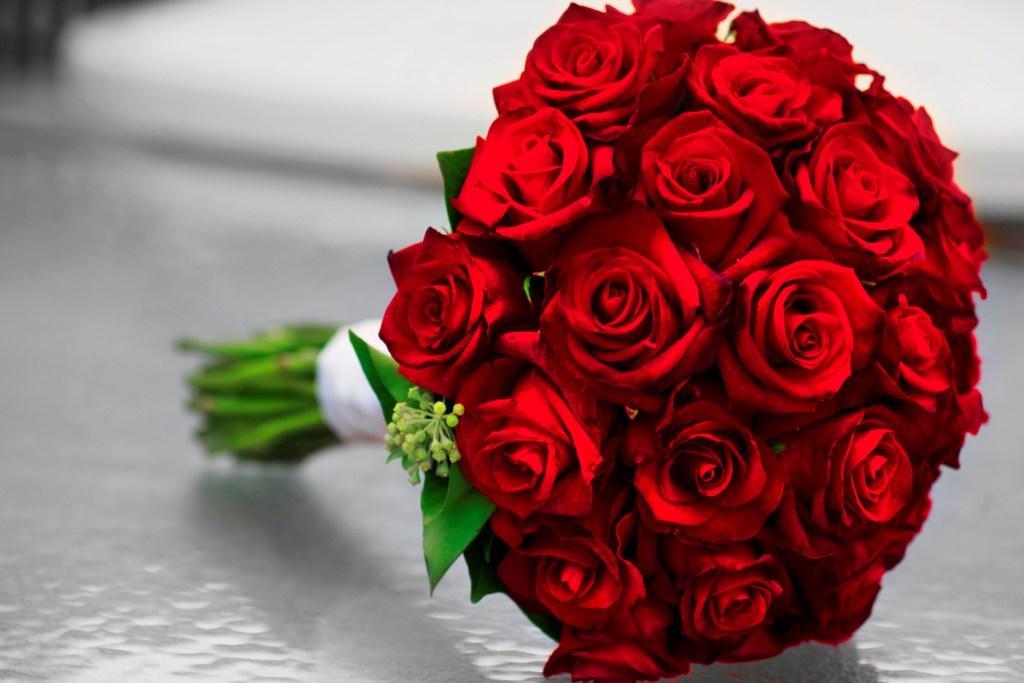 بالصور اجمل بوكيه ورد فى الدنيا , جمال الورد واشكاله والوانه 5947