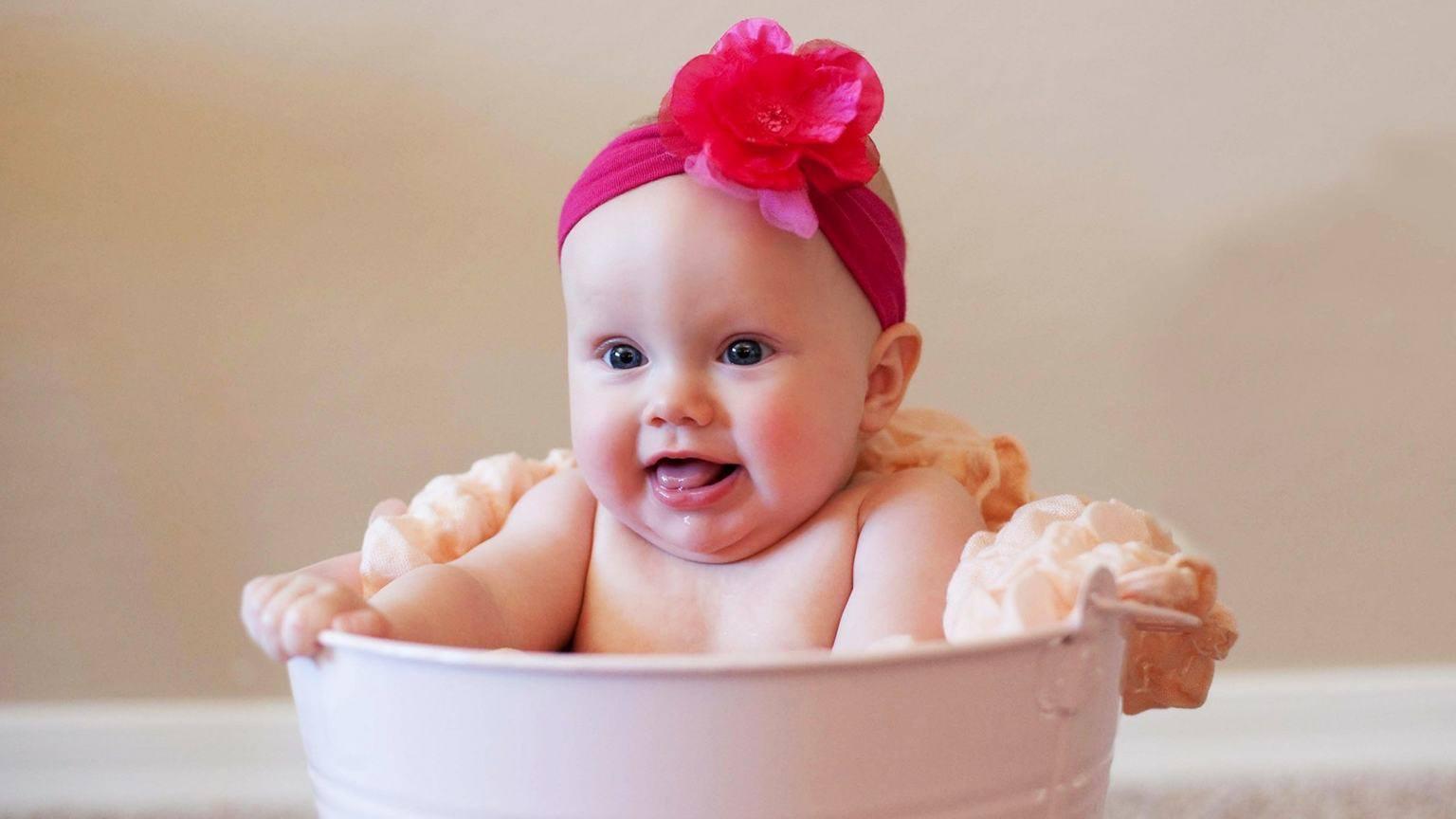 بالصور صور مضحكة للاطفال , لكى تضحك طفلك اليك اجمل الصور 6061 9
