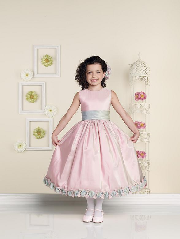 صورة موديلات فساتين بنات , تصميمات فساتين جديدة للفتيات