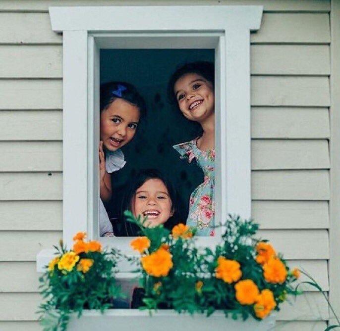 صورة بنات زينة البيت , البنات حلويات البيت 1993 3
