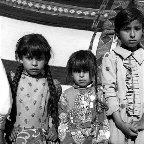 صورة بنات زينة البيت , البنات حلويات البيت 1993 9