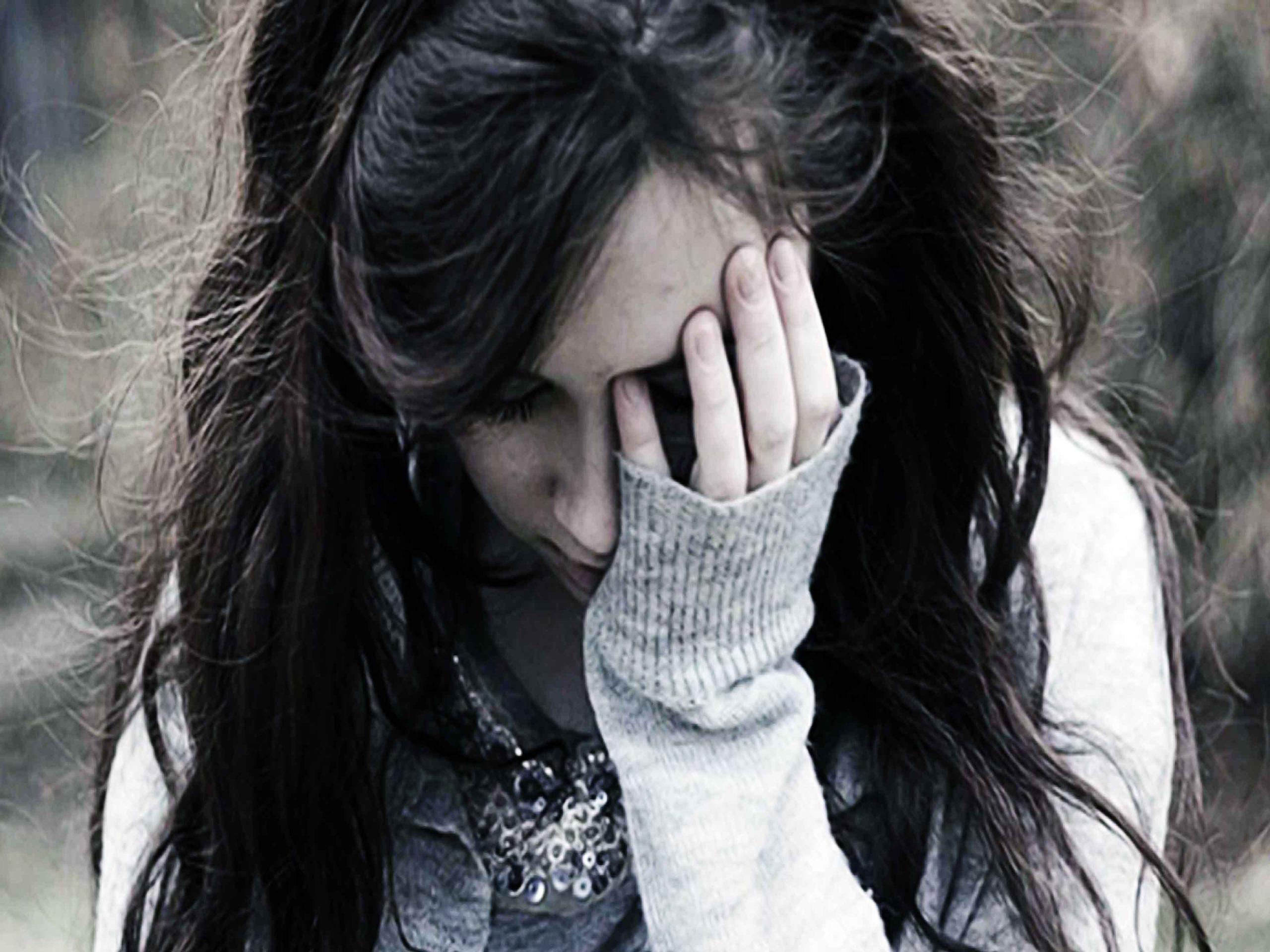 بالصور صور فتاة حزينة , بنات ملامحها حزن 2154 11