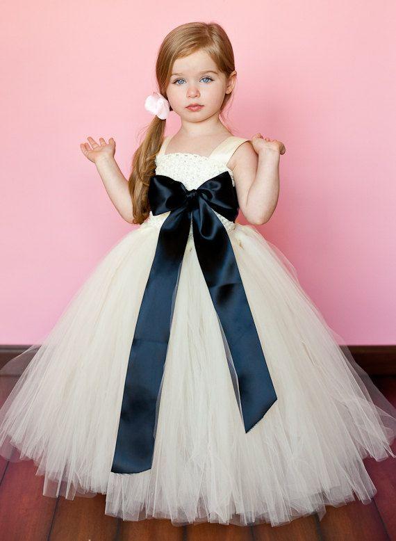 بالصور فساتين سواريه اطفال , تالقي طفلتك بفساتين السواريه 6592 5
