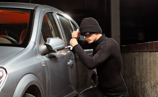 صوره تفسير حلم سرقة السيارة , مالذي يدل علي سرقه السياره في المنام