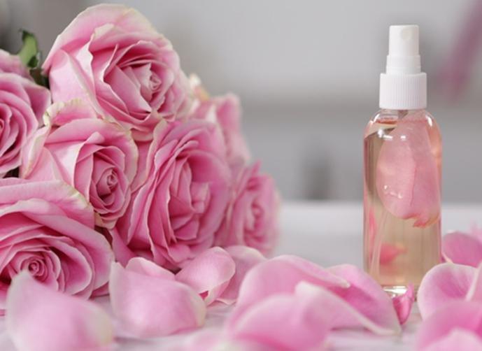 بالصور فوائد ماء الورد , لماء الورد فوائد عديده تعرفوا عنها 6704