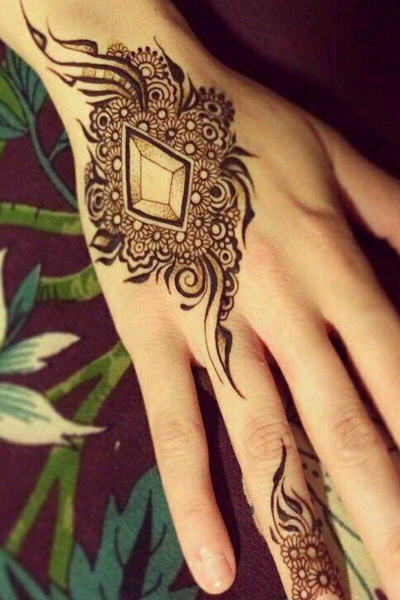 بالصور نقشات حناء انستقرام , للعروس الرقيقة اليكي احدث استايلات رسم الحناء على اليدين والاظافر 5982 3