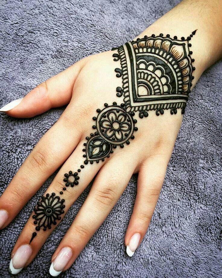بالصور نقشات حناء انستقرام , للعروس الرقيقة اليكي احدث استايلات رسم الحناء على اليدين والاظافر 5982 7