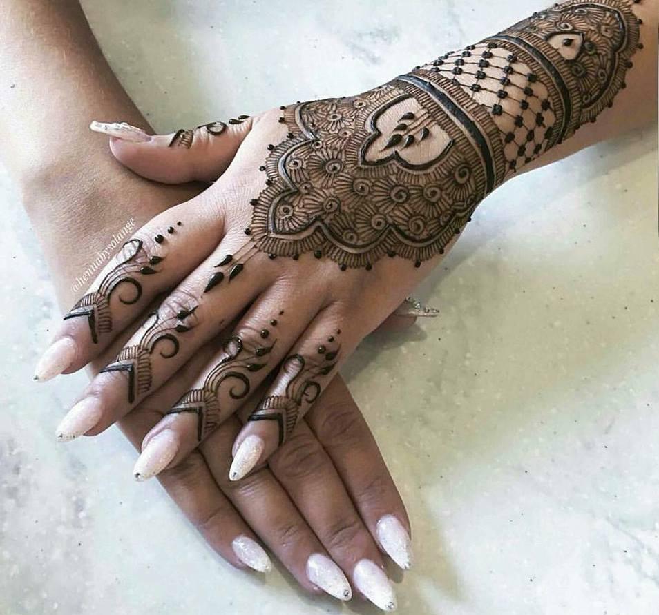 بالصور نقشات حناء انستقرام , للعروس الرقيقة اليكي احدث استايلات رسم الحناء على اليدين والاظافر 5982 8