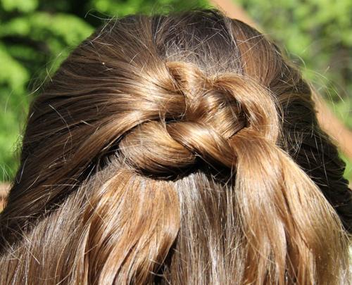 بالصور بالصور تسريحات شعر للاطفال , طرق مبتكرة لتصفيف شعر ابنتك بشكل جذاب ورقيق 6211 2