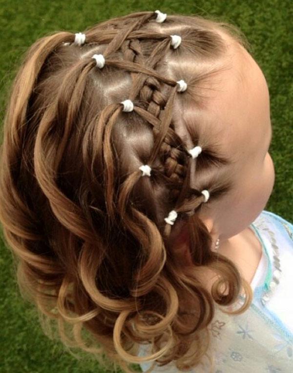 بالصور بالصور تسريحات شعر للاطفال , طرق مبتكرة لتصفيف شعر ابنتك بشكل جذاب ورقيق 6211 3