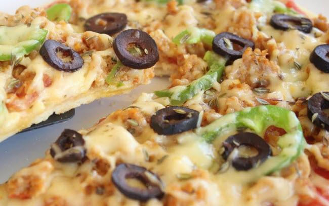 بالصور طريقة عمل البيتزا في المنزل , اجمل بيتزا ستتذوقها فى حياتك 13387 1