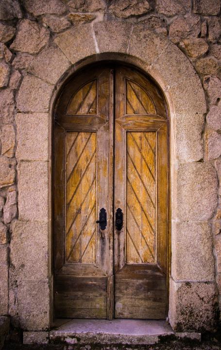 بالصور حلمت اني قفلت الباب , ما دلالة اغلاق الباب فى الحلم 13643
