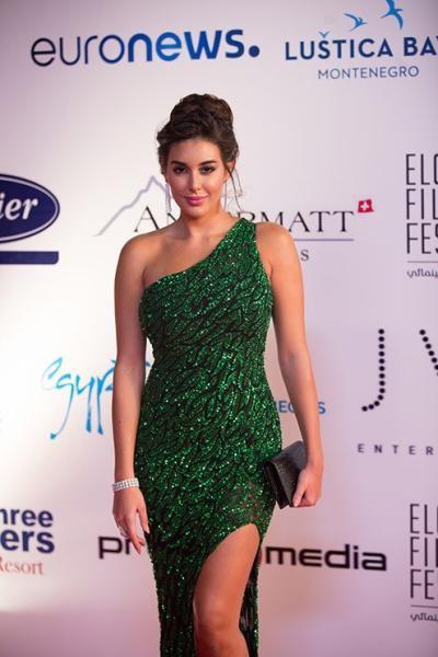 صورة فستان ياسمين صبري , احلى الممثلات المصريات