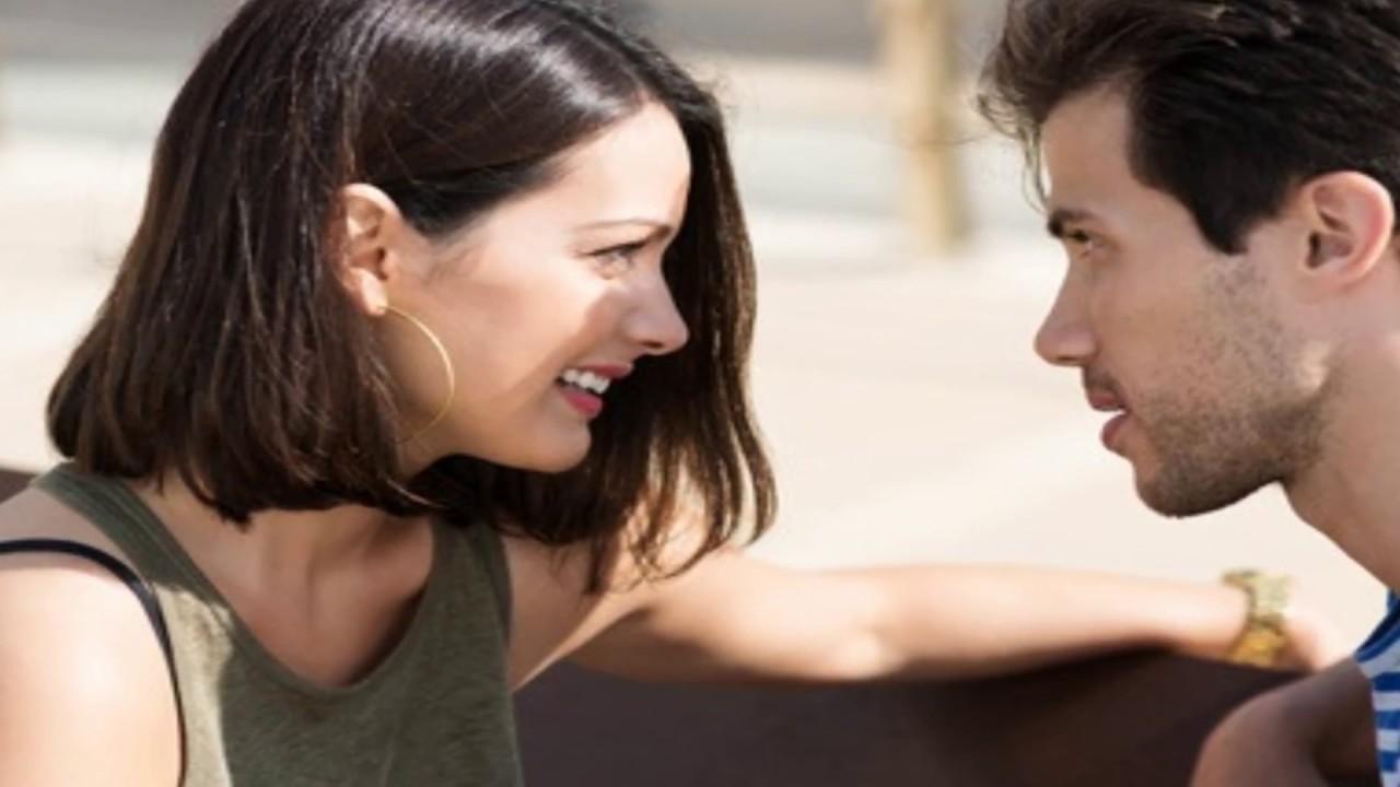 صورة كيف تعرف شخص يحبك من خلال نظراته , نظراتك تفضح حبك