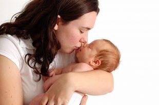 بالصور احلى بوس , فوائد البوس لاطفال 3059 12 310x205