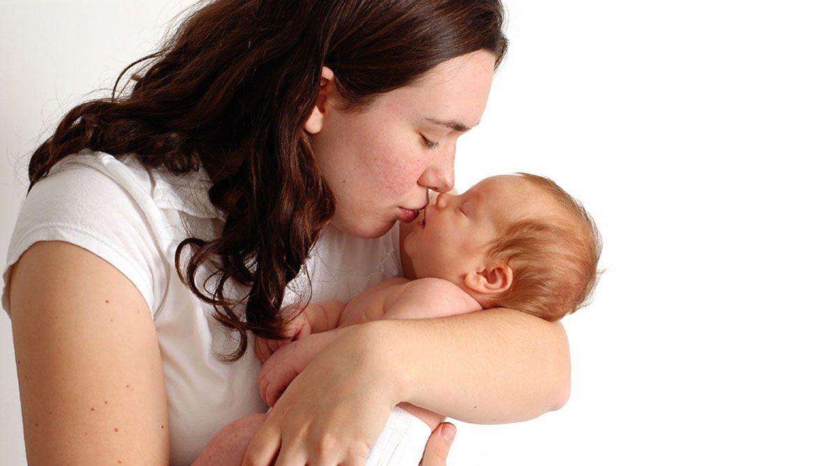صور احلى بوس , فوائد البوس لاطفال