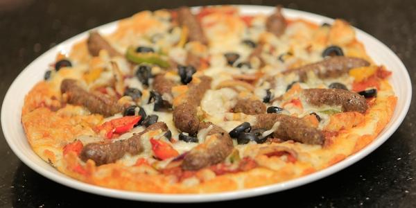 صورة طريقة عمل البيتزا بالصور خطوة خطوة , اسهل طرق عمل البيتزا بالبيت بالصور