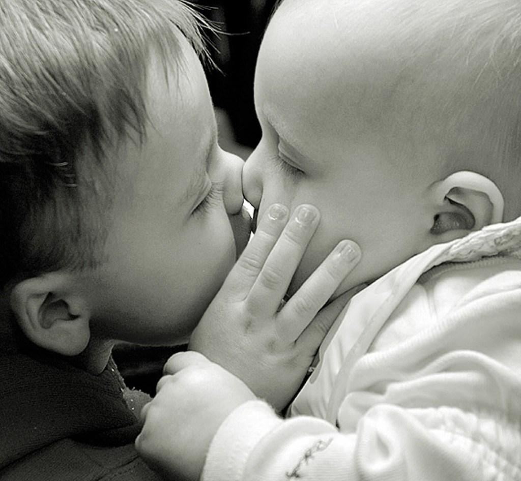 صورة صور قبلات متحركة , اجمل قبلات متحركة بالصور